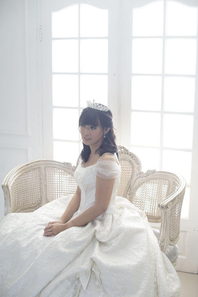 Favor Wedding Gown - Cinderella Story by Favor Brides - 003