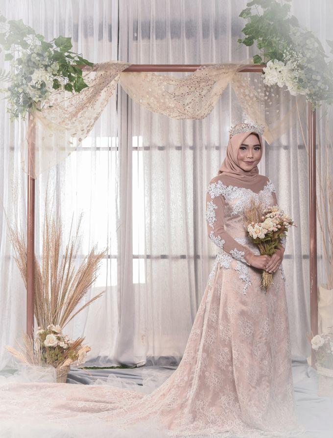 omg...so pretty with hijab by R & E Bridal - 027