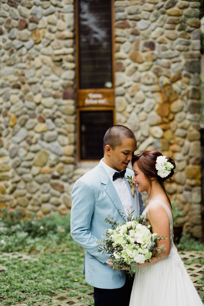 Errol & Icy Intimate Wedding in Silang by Mot Rasay Photography - 002