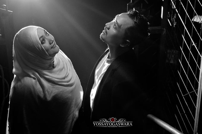 Prewedding Indah - Memed by Yossa Yogaswara Photography - 002