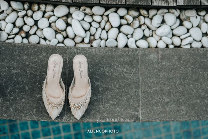 GKM GREEN TOWER WEDDING OF DESTY & RAMA by alienco photography - 004