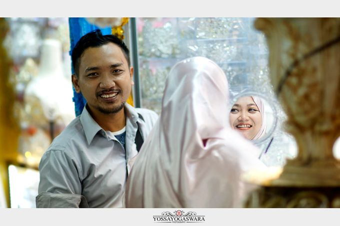 Prewedding Indah - Memed by Yossa Yogaswara Photography - 010