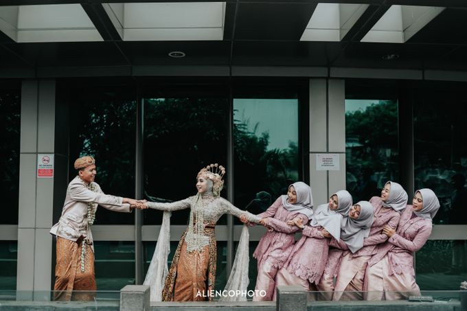 GKM GREEN TOWER WEDDING OF DESTY & RAMA by alienco photography - 002