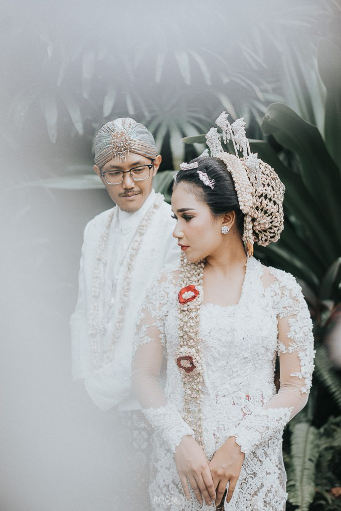 Ivan & Yovita Wedding Day by Kalamila - 010