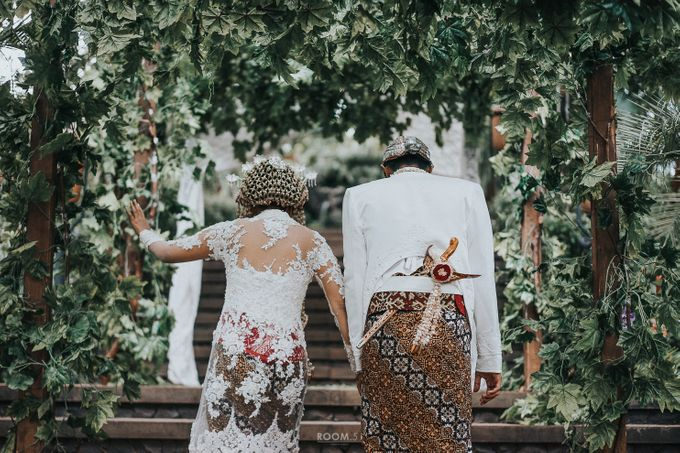 Ivan & Yovita Wedding Day by Kalamila - 011