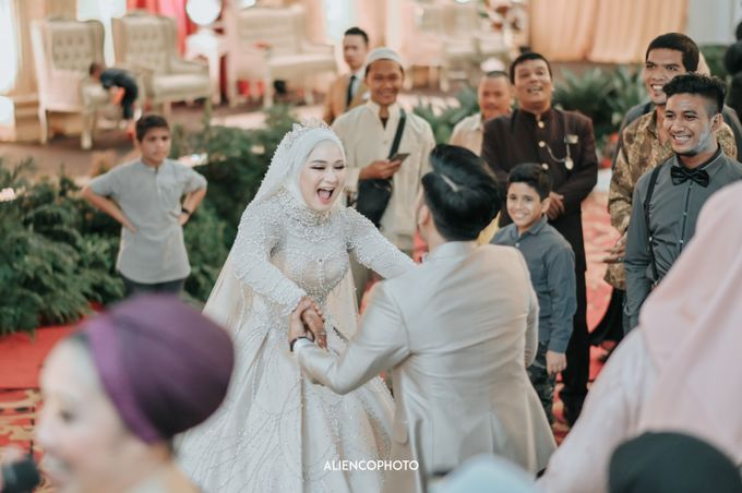 SMESCO NARESWARA WEDDING OF SAHFA & RIYAN by alienco photography - 010