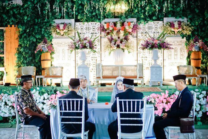 Wedding Ratri & Arief by aaron Photo & Cinema - 012