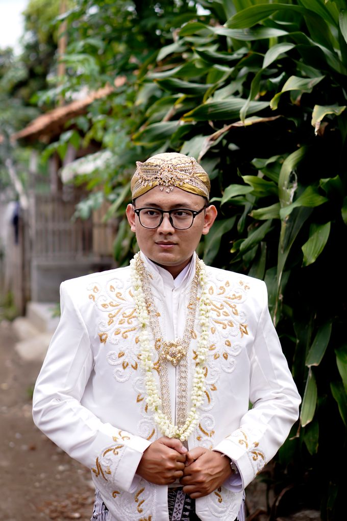 Wedding of Lesi and Koko by Yossa Yogaswara Photography - 002