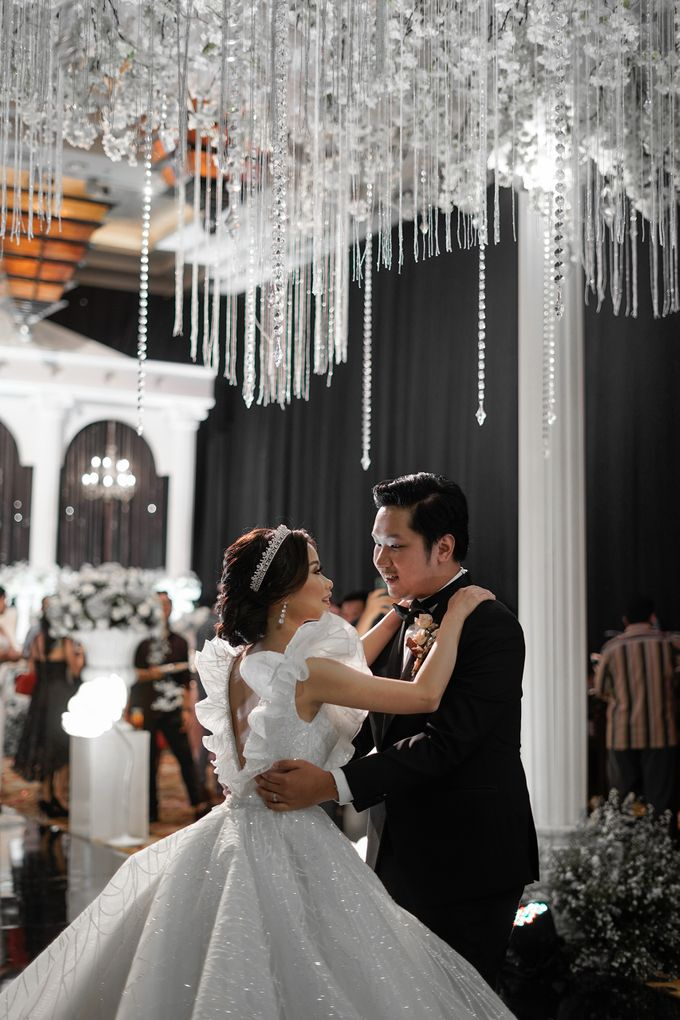 The Wedding of Olive & Wilson at Grand Hyatt Ballroom by La Oficio Entertainment - 001