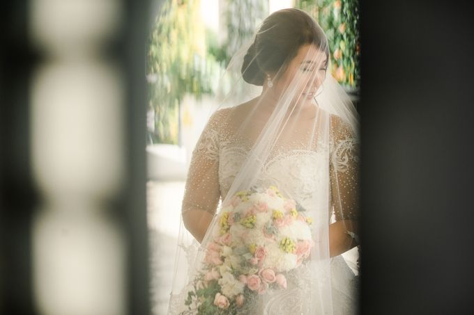 A Sunny Blush Wedding by Love And Other Theories - 030