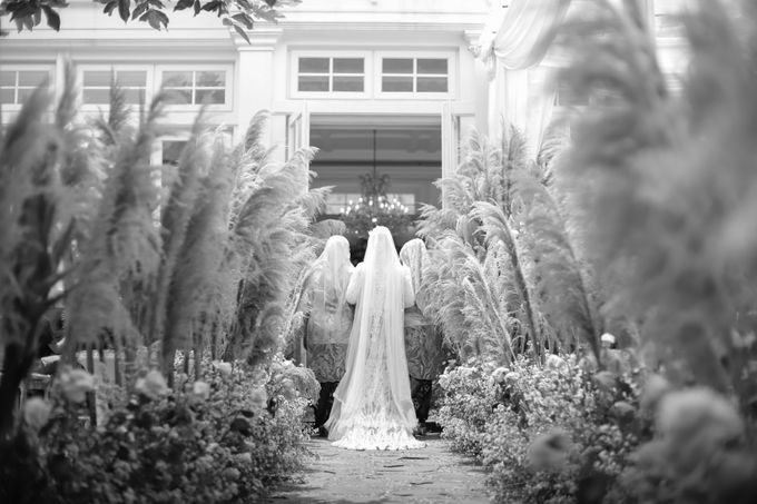 Mira & Yurian Wedding at The Manor Andara by Mirza Photography - 010