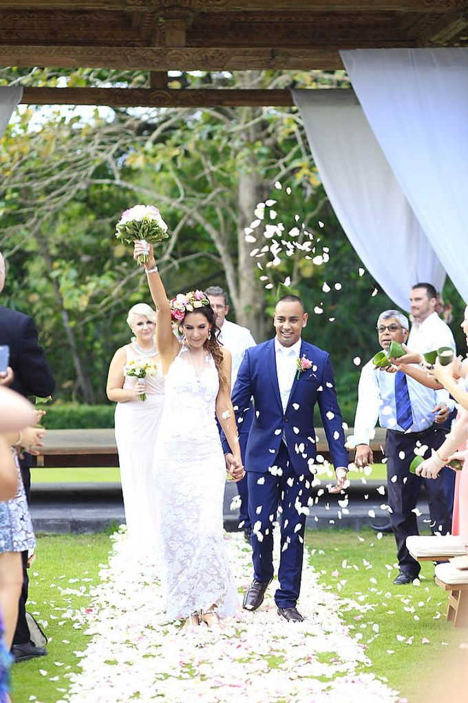 Wedding at Villa The Sanctuary in Canggu by Bali Tie d' Knot - 009