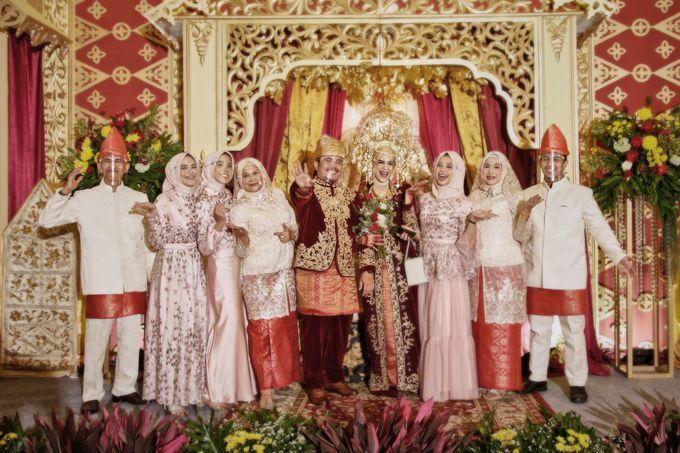 From The Traditional West Sumatra Wedding of Irsyad & Shella by Khayim Beshafa One Stop Wedding - 021