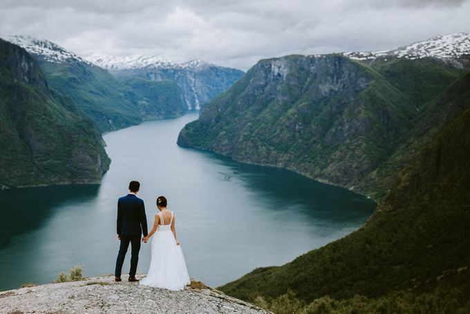 Grace & Ronnie - Elopement in Norway by Assemblage Photography - 004