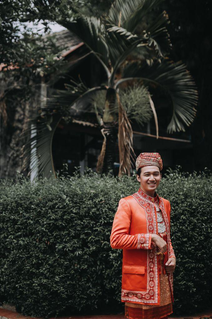Venisya & Dimas Wedding at Home, Jakarta by Mirza Photography - 003