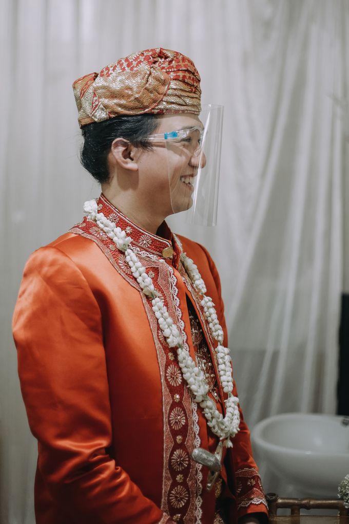 Venisya & Dimas Wedding at Home, Jakarta by Mirza Photography - 006