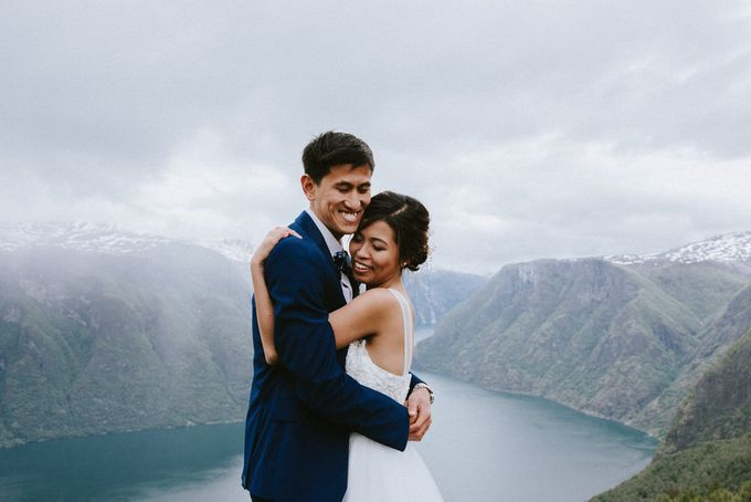 Grace & Ronnie - Elopement in Norway by Assemblage Photography - 006