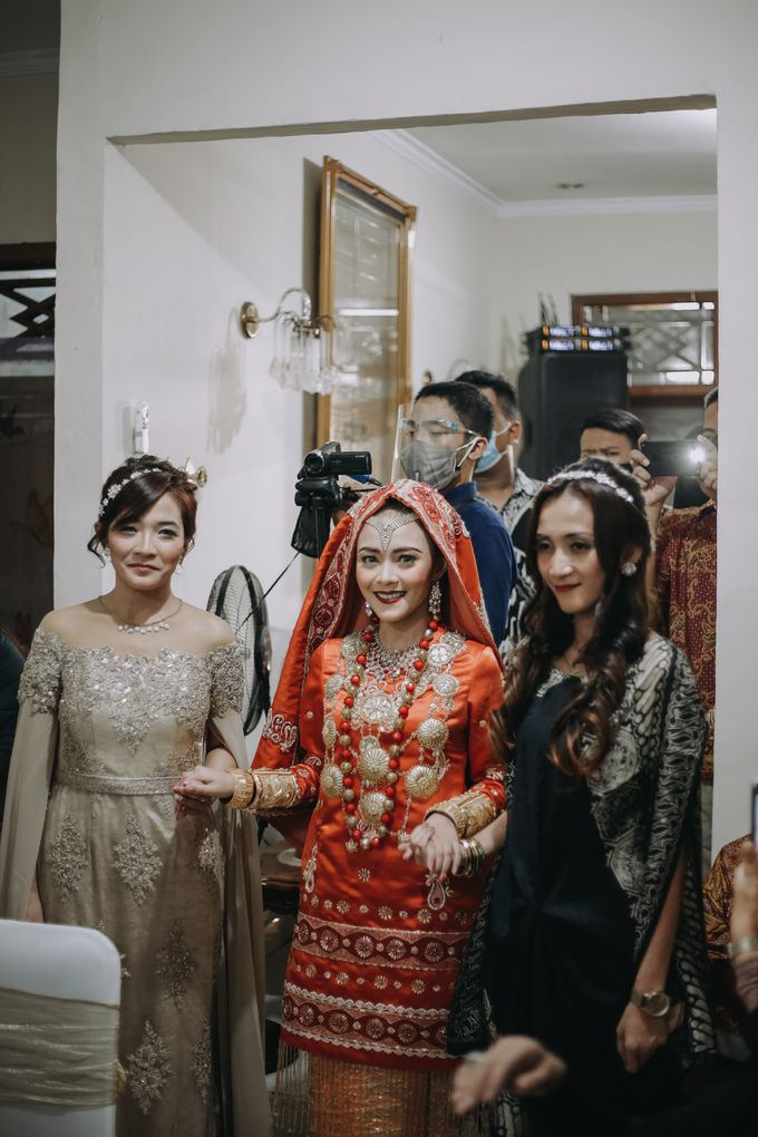 Venisya & Dimas Wedding at Home, Jakarta by Mirza Photography - 007
