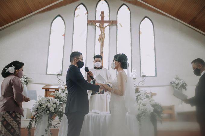 Anggrit & Yoga Wedding at Gereja ST. Matias by Mirza Photography - 023