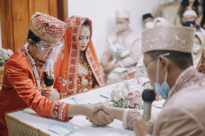 Venisya & Dimas Wedding at Home, Jakarta by Mirza Photography - 011