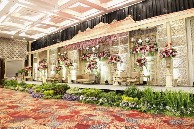 TRADITIONAL WEDDING by Indonesia Convention Exhibition (ICE) - 012