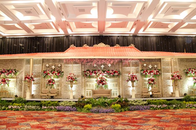 TRADITIONAL WEDDING by Indonesia Convention Exhibition (ICE) - 001