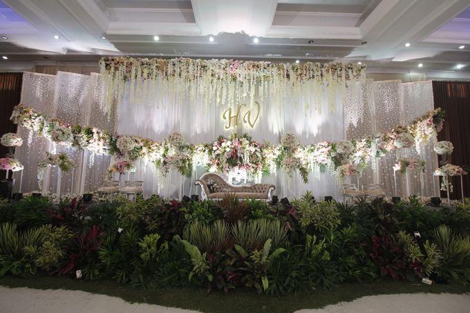 The Wedding of Vina Haqqi by Eden Design - 001