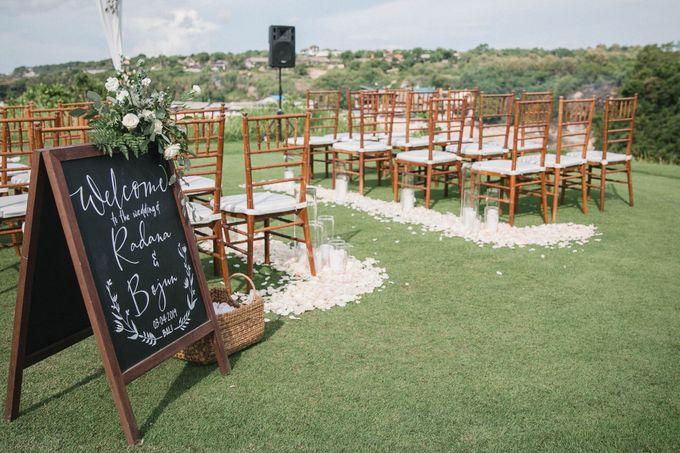 Sweet Rustic Wedding at New Kuta Golf & Villa Bayu Bali by Silverdust Decoration - 023