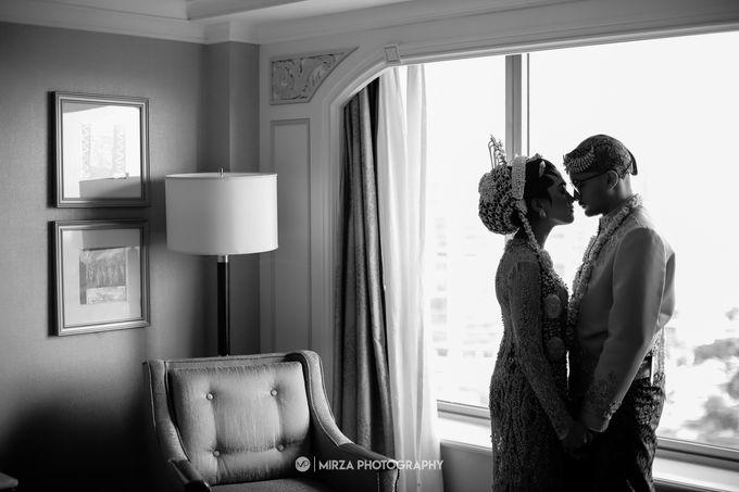 Dinda & Ryan Wedding at Shangri-La Hotel by Mirza Photography - 011