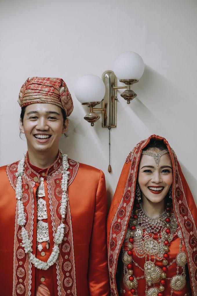 Venisya & Dimas Wedding at Home, Jakarta by Mirza Photography - 014