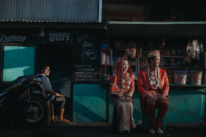 Venisya & Dimas Wedding at Home, Jakarta by Mirza Photography - 017