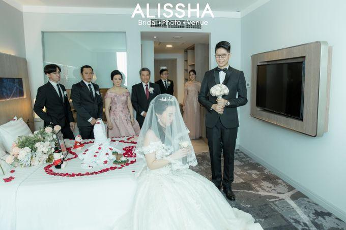Wedding Day Fitria-Ricky Novotel Mangga Dua by Alissha Bride - 007