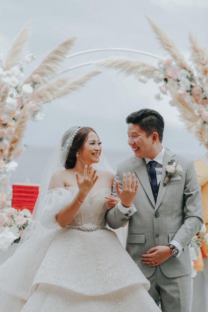 Sally and Randy Wedding by All Season Surabaya Photo by KAMAYA BALI - 009