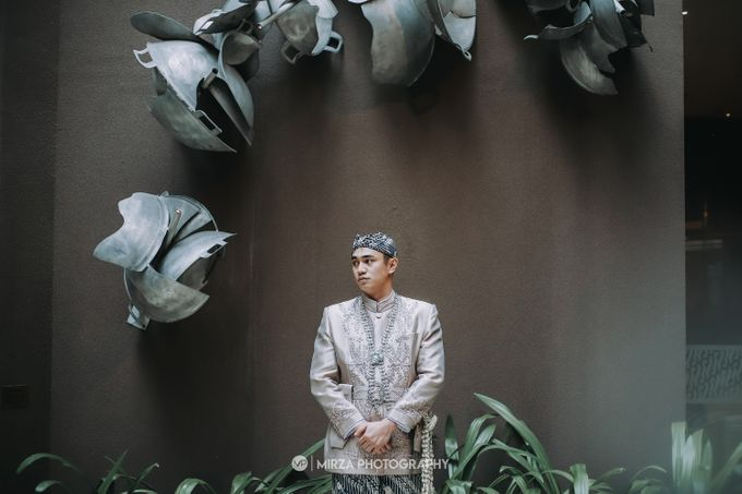 Saga & Manda Wedding at Hotel Santika Bintaro by Mirza Photography - 011