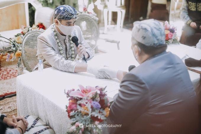 Saga & Manda Wedding at Hotel Santika Bintaro by Mirza Photography - 019