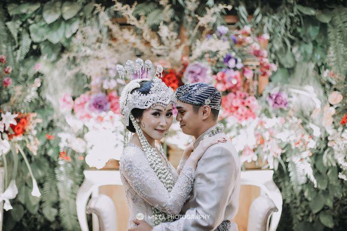 Saga & Manda Wedding at Hotel Santika Bintaro by Mirza Photography - 027