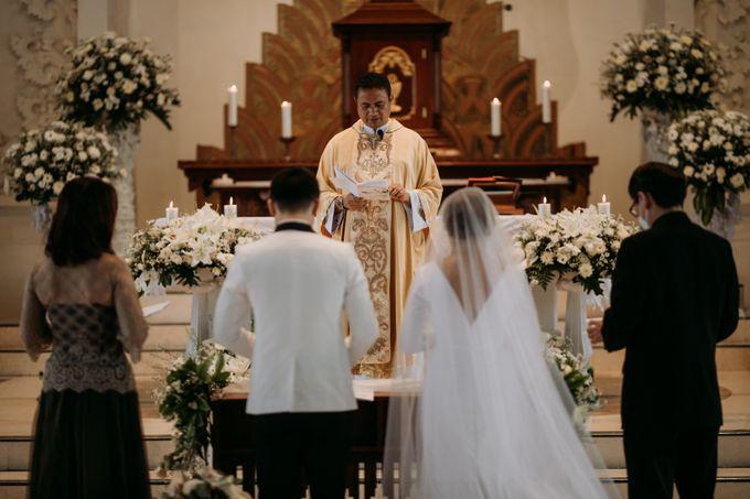 Intimate Bali Wedding of Willy & Dewi by Lentera Wedding - 020