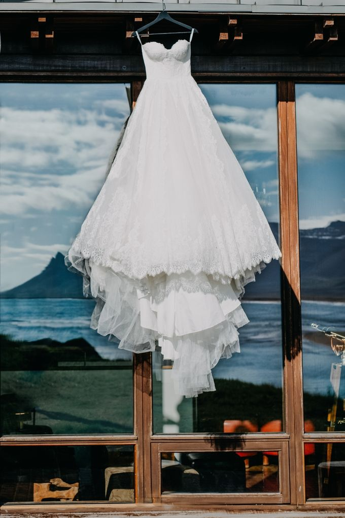 Iceland elopement by Renee Song Photography - 002