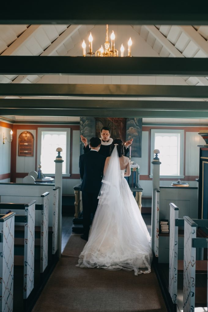 Iceland elopement by Renee Song Photography - 004