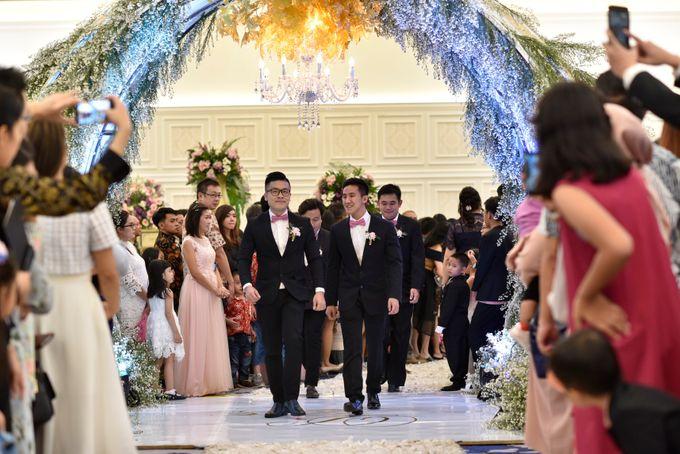 Donovan & Elisabeth Wedding at Menara Mandiri by Catalina Flora - 017