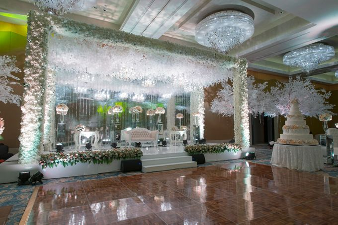 Wedding at Mulia Resort and Spa Bali by d'Oasis Florist & Decoration - 004