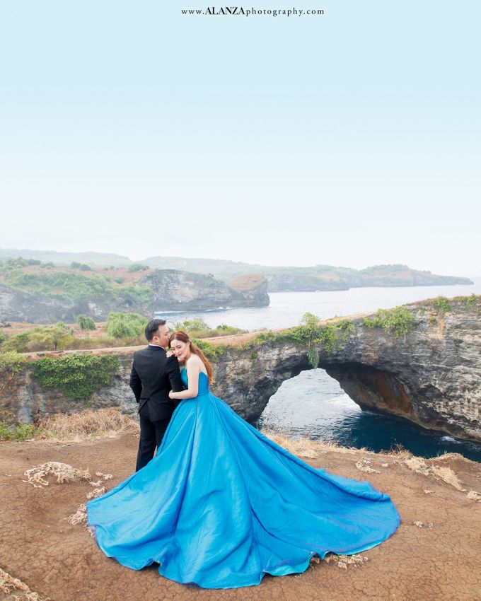 Adrian Christine Prewedding Bali I by Alanza Photography - 020