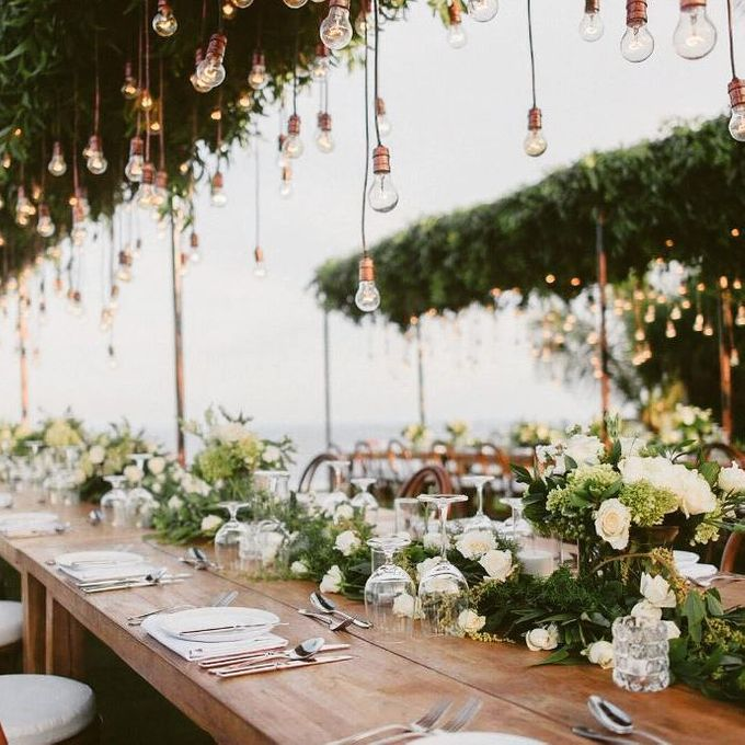 An Elegant and Enchanted Tropical Wedding Theme by WiB flowers - 001