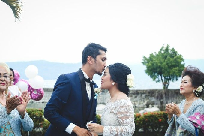 Lambok & Sarah - A Beautiful Lakeside wedding by Jivo Huseri Film - 008