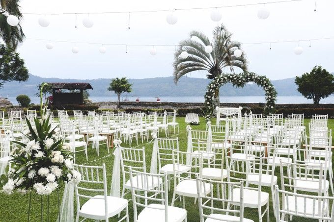Lambok & Sarah - A Beautiful Lakeside wedding by Jivo Huseri Film - 002