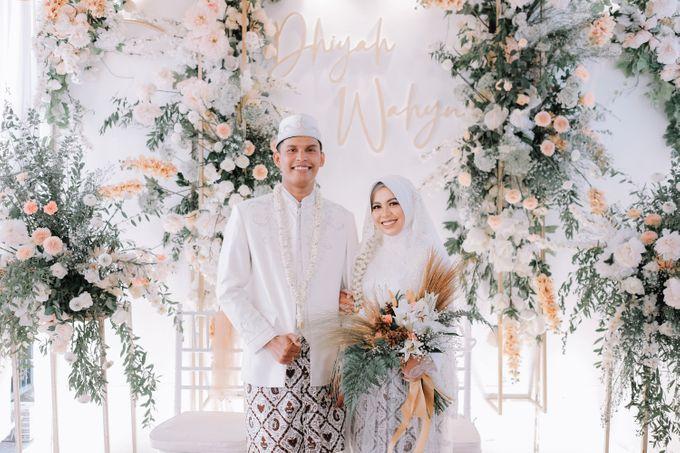 Akad Nikah Dhiyah & Wahyu by LAKSMI - Kebaya Muslimah & Islamic Bride - 003