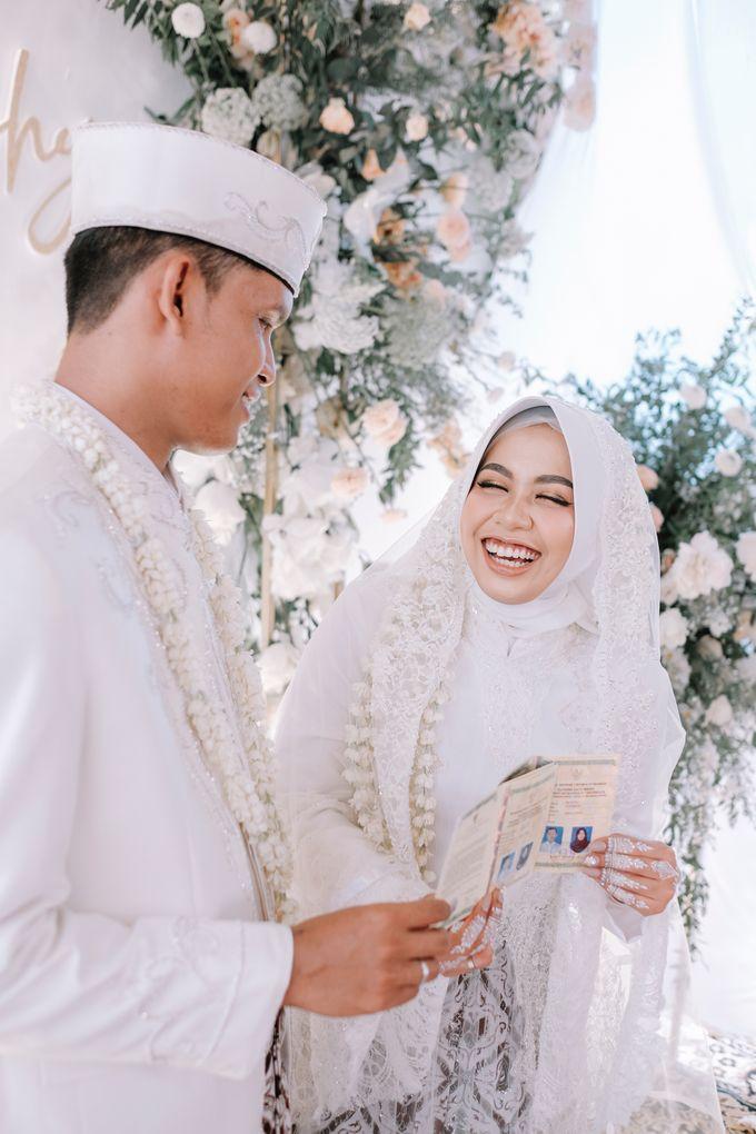 Akad Nikah Dhiyah & Wahyu by LAKSMI - Kebaya Muslimah & Islamic Bride - 005