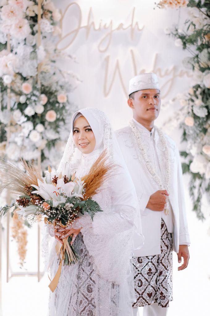 Akad Nikah Dhiyah & Wahyu by LAKSMI - Kebaya Muslimah & Islamic Bride - 009