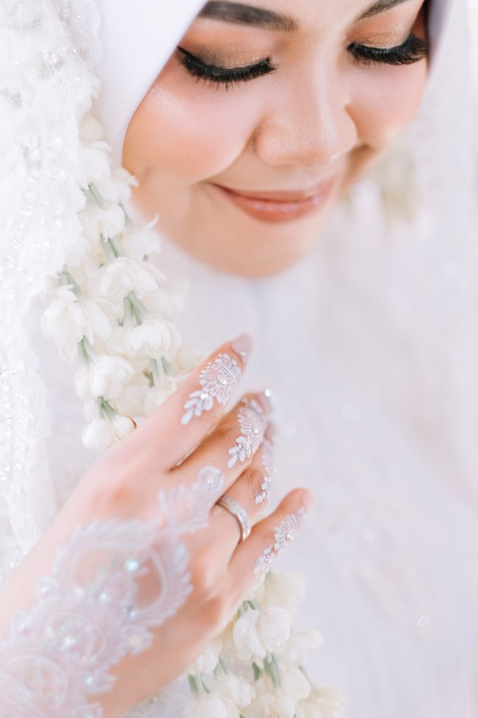 Akad Nikah Dhiyah & Wahyu by LAKSMI - Kebaya Muslimah & Islamic Bride - 008