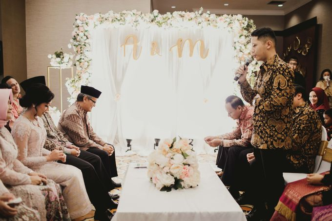 Adit & Mieke Traditional Engagemen by Lights Journal - 015
